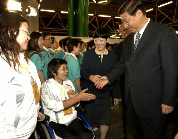 国家副主席参观沙田马术比赛场地 附图 短片