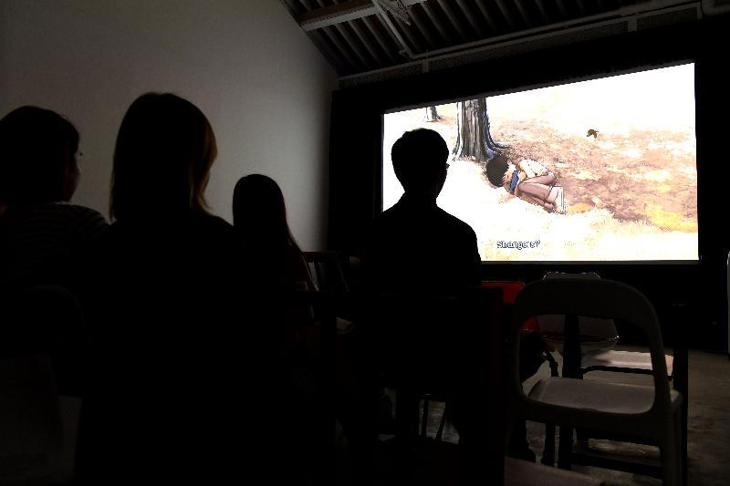 「即日放送」社區影院播放多元化的電影,包括七十年代香港電影新浪潮電影、韓國動畫、得獎獨立短片、年青人作品,以及表演藝術融合流動影像的作品。
