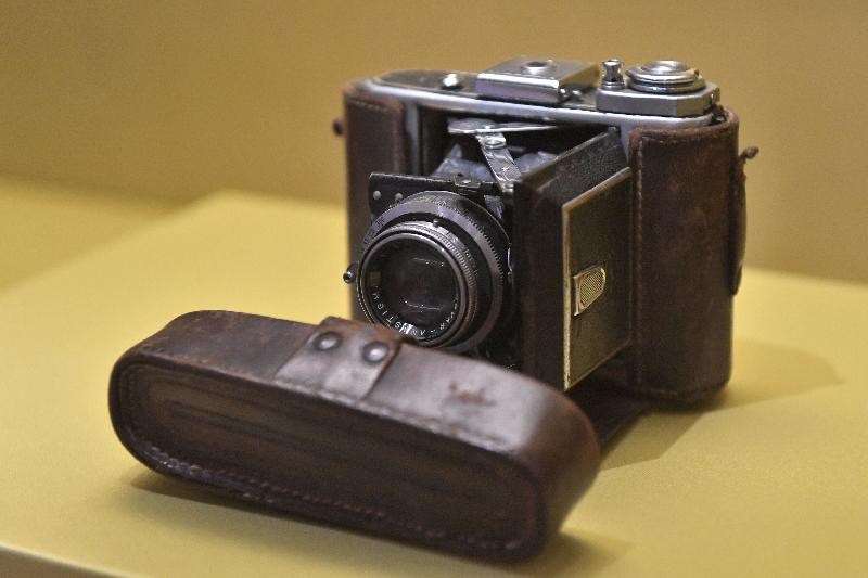 "The exhibition ""From Son of Heaven to Commoner: Puyi, the Last Emperor of China"" is displaying a camera used by Puyi. When Puyi was still living in the Forbidden City, he developed an interest in a Western lifestyle and modern gadgets under the influence of his English teacher, Reginald Fleming Johnston. (Collection of the Museum of the Imperial Palace of the Manchu State.)"