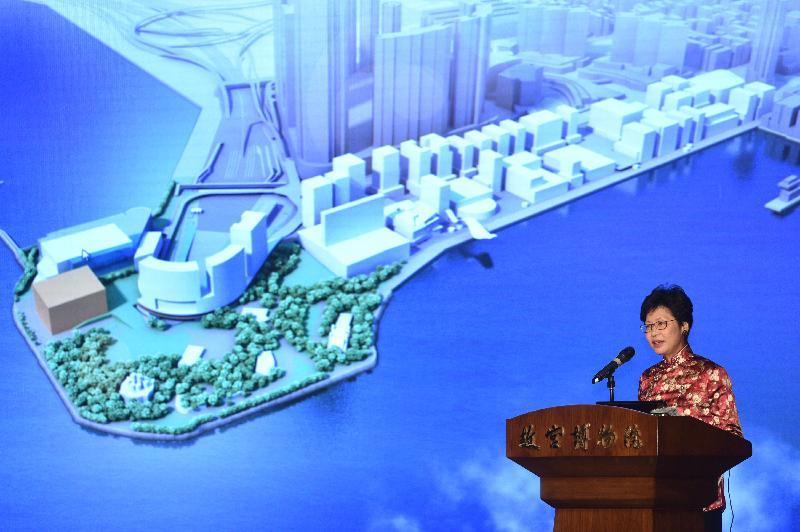 政務司司長、西九文化區管理局董事局主席林鄭月娥今日(十二月二十三日)在北京出席「於西九文化區興建香港故宮文化博物館媒體發布會」,介紹項目詳情。