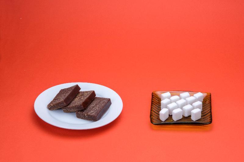 圖示約150克的黑糖年糕的大約含糖量。