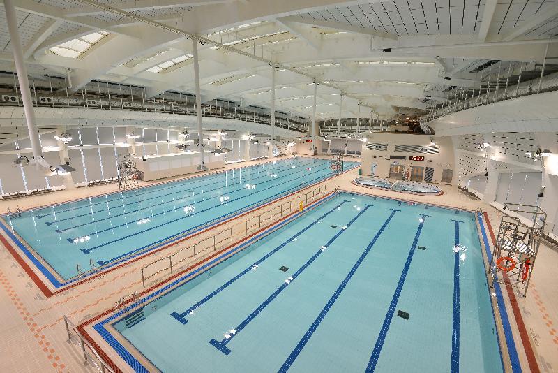 堅尼地城游泳池室內的全新暖水游泳設施下星期二(二月七日)起投入服務,包括一個副池、訓練池及按摩池,市民可以全天候享受游泳的樂趣。
