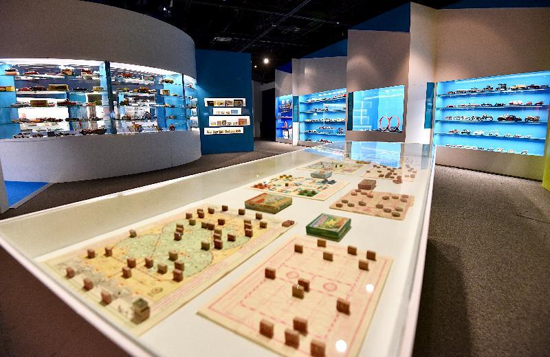 「香港玩具傳奇」展覽今日(三月一日)於香港歷史博物館開幕。展覽將展出逾二千組不同年代的玩具。