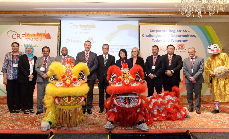 The 14th annual Corporate Registers Forum (CRF), organised by the Companies Registry, commenced in Hong Kong today (March 7). The Financial Secretary, Mr Paul Chan (sixth left), and the Registrar of Companies, Ms Ada Chung (sixth right), officiated at the opening ceremony with other guests.