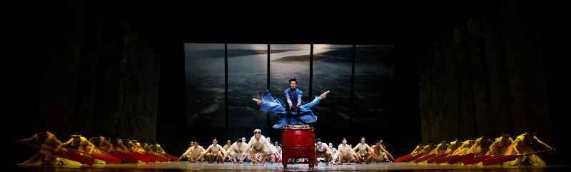 廣東歌舞劇院舞劇《沙灣往事》五月十七日及十八日在香港文化中心大劇院公演。節目由廣東省文化廳及民政事務局合辦,康樂及文化事務署策劃,是粵港兩地文化合作項目,亦是香港特別行政區成立二十周年的慶祝活動之一。