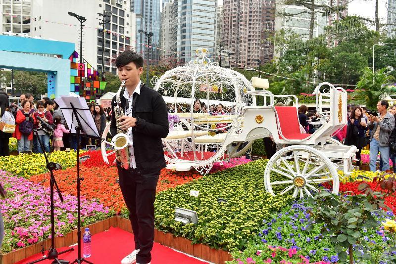 香港花卉展覽於星期日(三月十九日)結束,大會在展覽期間安排了多項活動,包括音樂表演、綠化活動工作坊和親子遊戲等。