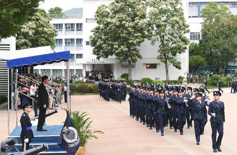 禁毒常務委員會主席張建良醫生今日(四月二十二日)出席香港警察學院舉行的結業會操。