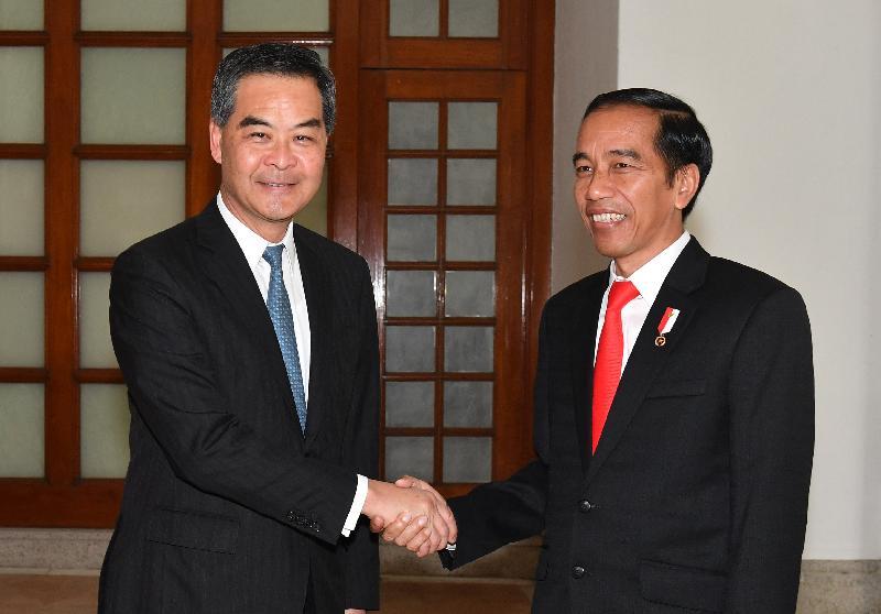 行政長官梁振英(左)今日(五月一日)在禮賓府與訪港的印度尼西亞共和國總統佐科.維多多會面。