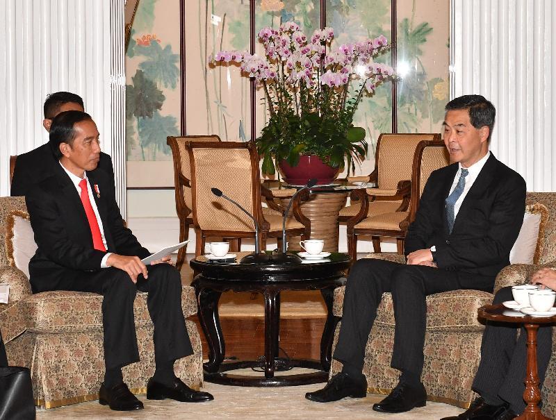 行政長官梁振英(右)今日(五月一日)在禮賓府與訪港的印度尼西亞共和國總統佐科.維多多會面,就雙方關注的議題交換意見。