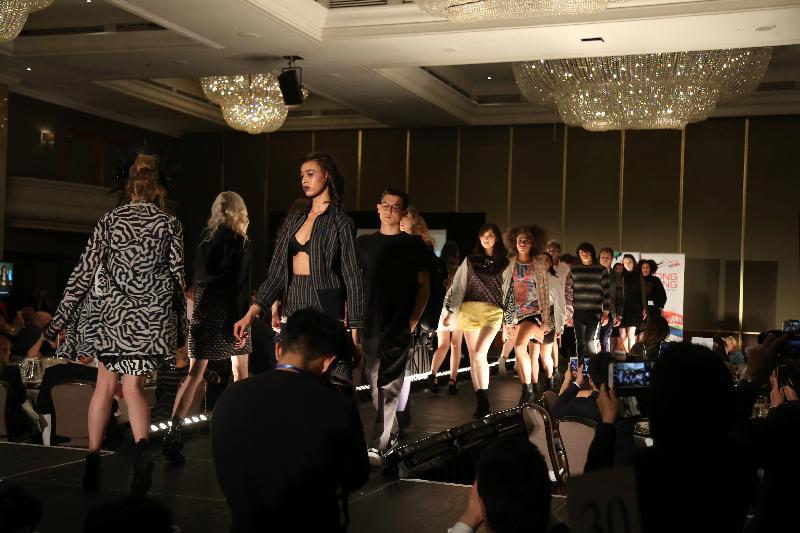 香港駐倫敦經濟貿易辦事處支持、由Fashion Farm Foundation舉辦的香港時裝之夜五月二日(倫敦時間)舉行,透過時裝表演介紹Daydream Nation, INJURY, Kenaxleung, ZOEE及Jaycow等品牌的設計師作品。