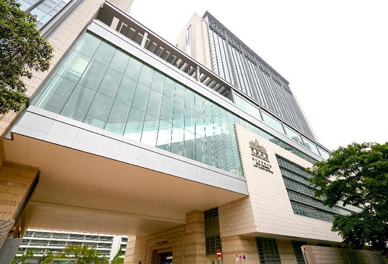 終審法院首席法官馬道立今日(五月十二日)為西九龍法院大樓主持啟用典禮。圖為西九龍法院大樓。