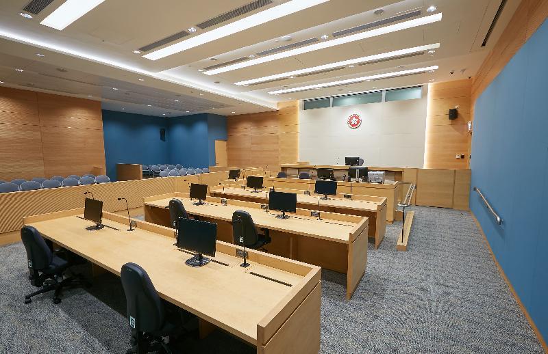 終審法院首席法官馬道立今日(五月十二日)為西九龍法院大樓主持啟用典禮。圖為小額錢債審裁處法庭。