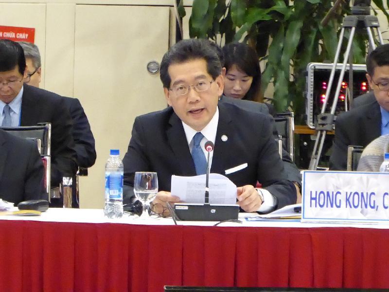 商務及經濟發展局局長蘇錦樑今日(五月二十日)在越南河內舉行的亞太區經濟合作組織貿易部長會議的討論環節上發言。