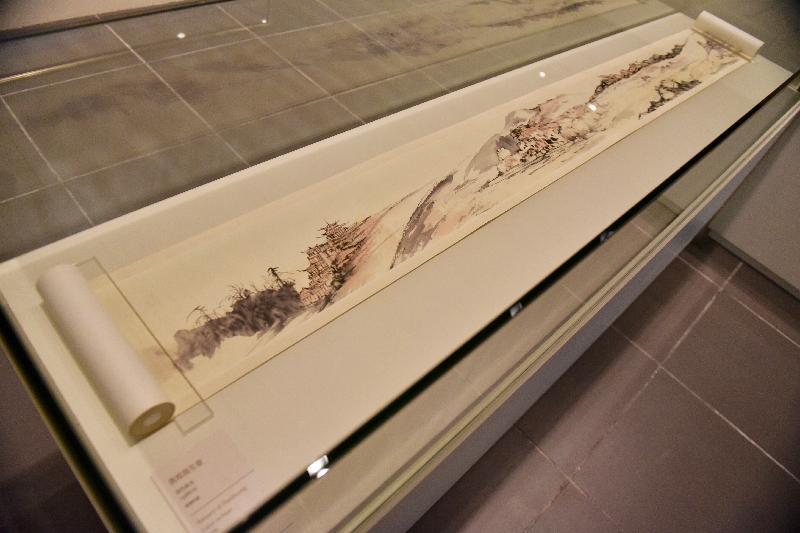 「敦煌韻致--饒宗頤教授之敦煌學術藝術展」今日(五月二十三日)於香港文化博物館開幕。圖為展出的畫作《敦煌寫生卷》。