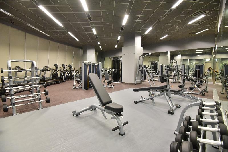 全新的元朗體育館位於元朗文化康樂大樓的三樓及四樓,面積約七千六百平方米。圖示設於三樓的健身室。