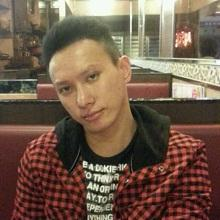 Cheung Chi-keung, aged 32, is about 1.65 metres tall, 60 kilograms in weight and of medium build. He has a pointed face with yellow complexion and short straight black hair. He was last seen wearing a black jacket, dark shorts and dark sports shoes.