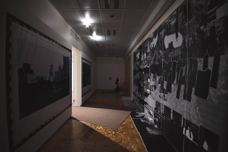 由油街實現與香港視覺藝術中心籌劃的「第六屆藝遊鄰里計劃:遊園誌」展覽今日(五月二十六日)在香港視覺藝術中心展覽廳展開。圖示「遊園誌」項目團隊的作品「忘憂經歷懷念廊」。