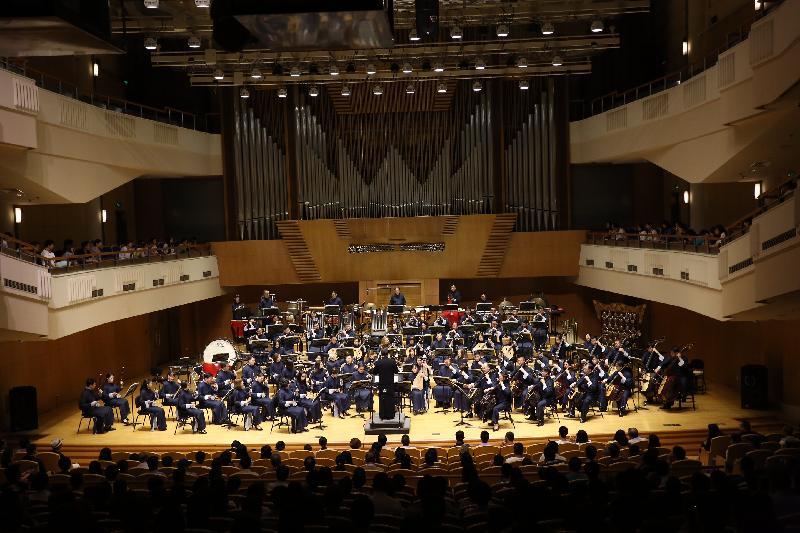 香港中樂團今晚(六月三日)在北京音樂廳演出《精・氣・神》音樂會。