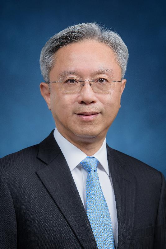 候任公務員事務局局長羅智光。