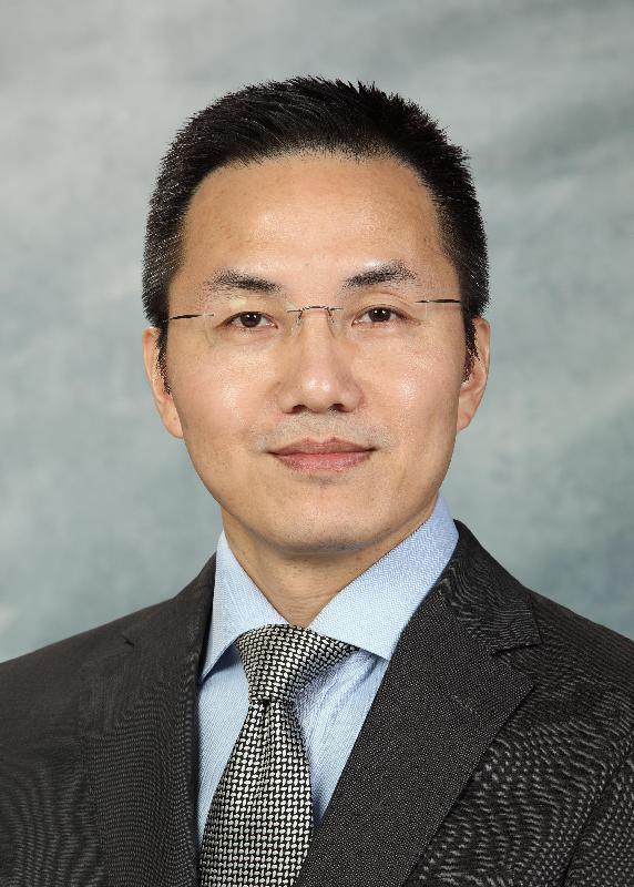 現任海關關長鄧忍光將於二○一七年七月十九日出任政制及內地事務局常任秘書長。