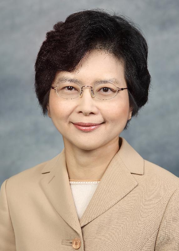 現任候任行政長官辦公室秘書長丁葉燕薇將於二○一七年七月一日出任行政長官辦公室常任秘書長。