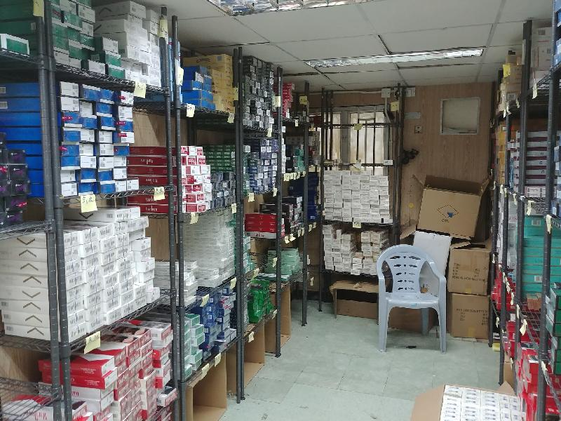 Hong Kong Customs yesterday (June 22) seized about 380 000 suspected illicit cigarettes with an estimated market value of about $1 million and a duty potential of about $730,000 in Tung Chung. Photo shows some of the suspected illicit cigarettes seized.