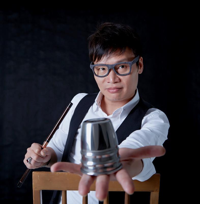 暑期大型藝術節「國際綜藝合家歡」的舞台節目──魔法音樂劇場《鄰居,你好嗎?》(粵語演出)由於反應熱烈,加演一場,加場演出的門票星期一(六月二十六日)起在城市售票網(www.urbtix.hk)發售。