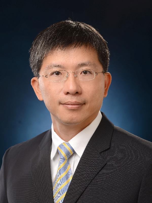 現任發展局副秘書長(規劃及地政)陳松青將於二○一七年七月一日出任地政總署署長。