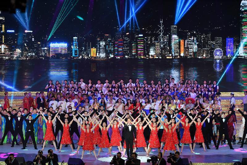 今晚(六月三十日)舉行的慶祝香港回歸祖國二十周年文藝晚會上其中一個表演。