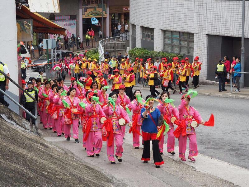 「中國傳統文化廟會嘉年華」將於七月九日(星期日)上午十一時至下午五時在中環遮打道行人專用區舉行。圖示以往嘉年華期間舉行的巡遊。