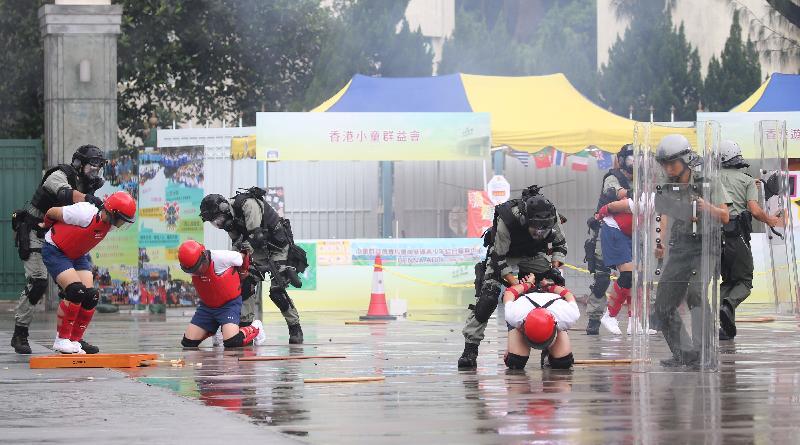 「赤柱監獄八十載」開放日今日(七月八日)舉行,圖示動感戰術示範。