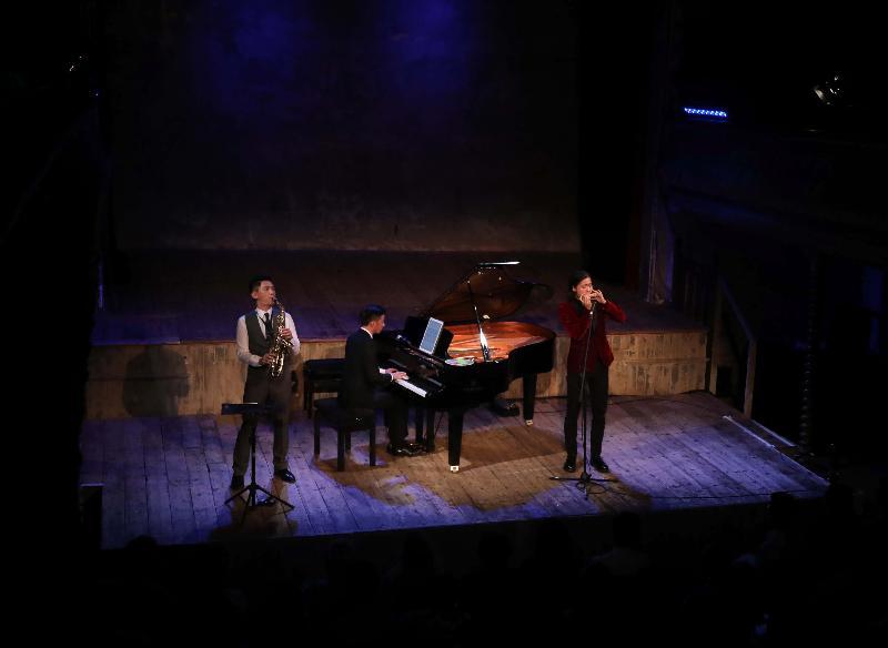 由一群來自不同背景的香港本地年輕音樂家所組成的Music Lab,在「香港音樂系列」中呈獻《指魔俠x琴戀克拉拉xSMASH》音樂會。這「三合一」別具創意音樂會於七月十日(倫敦時間)在倫敦Wilton's Music Hall舉行,一次過帶來鋼琴、小提琴、薩克管、聲樂及口琴演出。