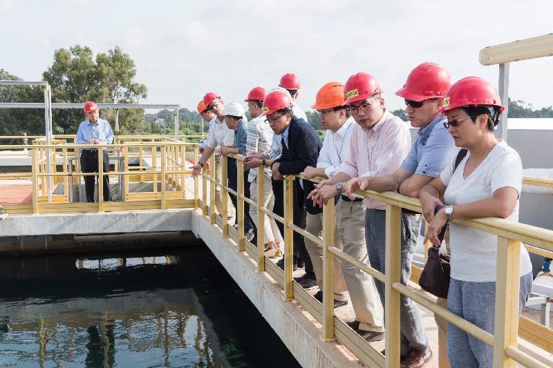 立法會工商事務委員會訪問團昨日(以色列時間七月二十四日)參觀以色列索萊克海水化淡廠,以了解化淡廠的日常運作。