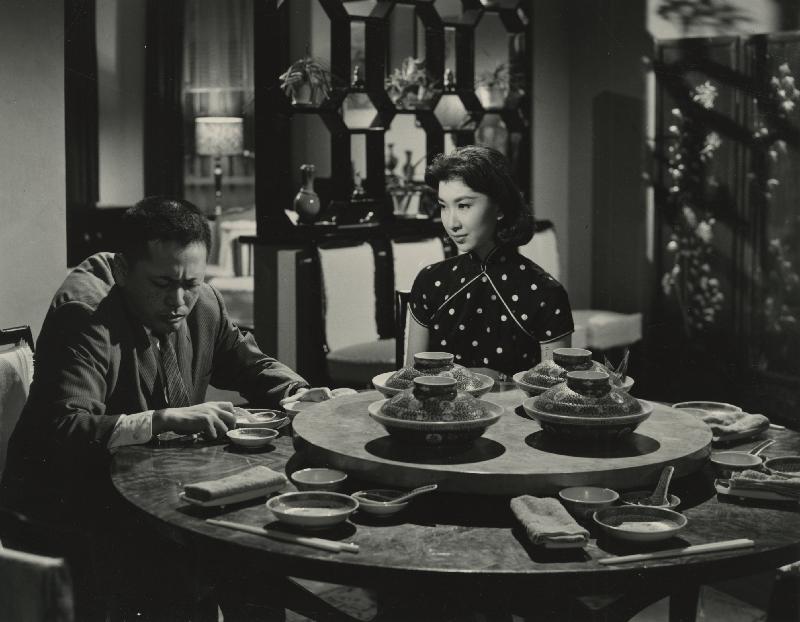 為紀念樂蒂的八十歲誕辰,康樂及文化事務署香港電影資料館於八月二十五日至九月三十日舉行「淡妝濃抹總相宜——樂蒂八十誕辰紀念展」,選映二十一齣樂蒂的電影。圖為《畸人艷婦》(1960)劇照。