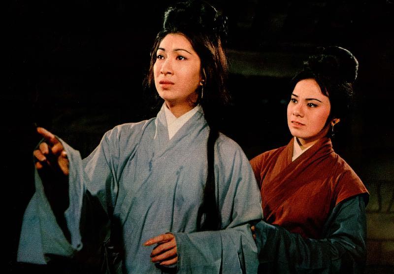為紀念樂蒂的八十歲誕辰,康樂及文化事務署香港電影資料館於八月二十五日至九月三十日舉行「淡妝濃抹總相宜——樂蒂八十誕辰紀念展」,選映二十一齣樂蒂的電影。圖為《鎖麟囊》(1966)劇照。