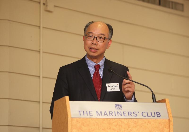 運輸及房屋局局長陳帆今日(七月二十七日)主持海運和航空業實習計劃交流會。他在會上表示,政府一直與業界攜手合作,竭力鞏固及推進香港在海運及空運的持續發展。