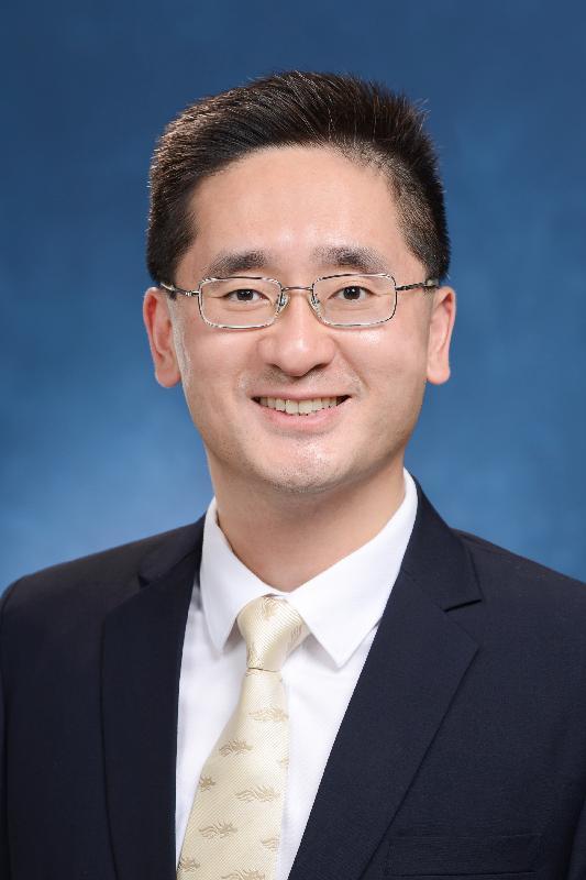 Under Secretary for Commerce and Economic Development, Dr Bernard Chan Pak-li.