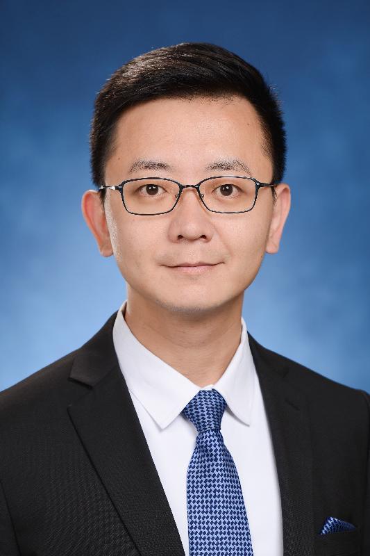 發展局局長政治助理馮英倫。