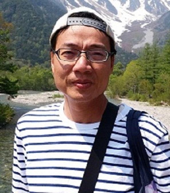 五十三歲失蹤男子陳永華,身高約一點七三米,體重約六十四公斤,瘦身材,方面型,黃皮膚及蓄短直黑髮。他最後露面時身穿藍色長袖上衣,深色長褲,黑色行山鞋,攜有一個黑色背囊及一個黑色腰包。