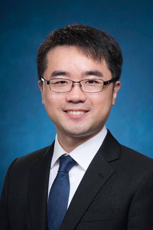 教育局局長政治助理施俊輝。