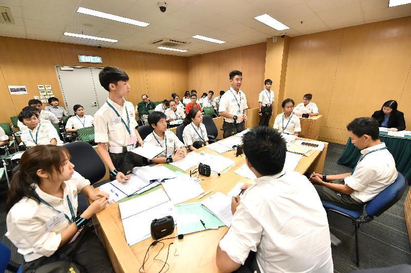 「青網大使知識產權專章計劃」第一期高級課程學員參與模擬法庭審訊比賽。
