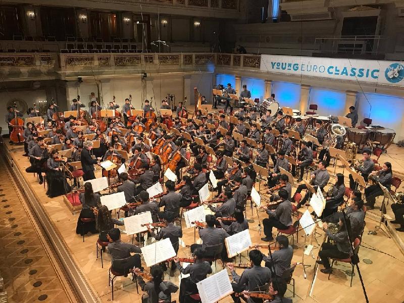 亞洲靑年管弦樂團八月三十日(柏林時間)於德國柏林音樂廳演出,慶祝香港特別行政區成立二十周年。