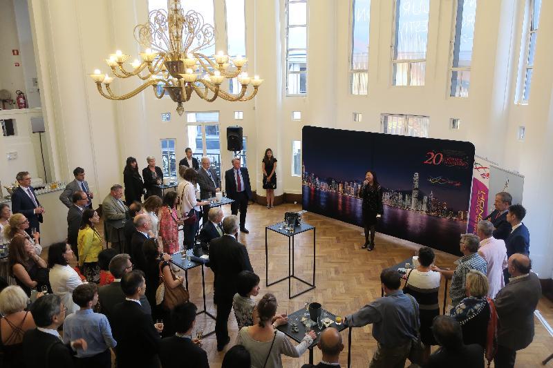 香港駐歐洲聯盟特派代表林雪麗昨日(布魯塞爾時間九月五日)在亞洲青年管弦樂團於比利時布魯塞爾BOZAR美術中心舉行演奏會前的酒會上,向出席的來賓發言。