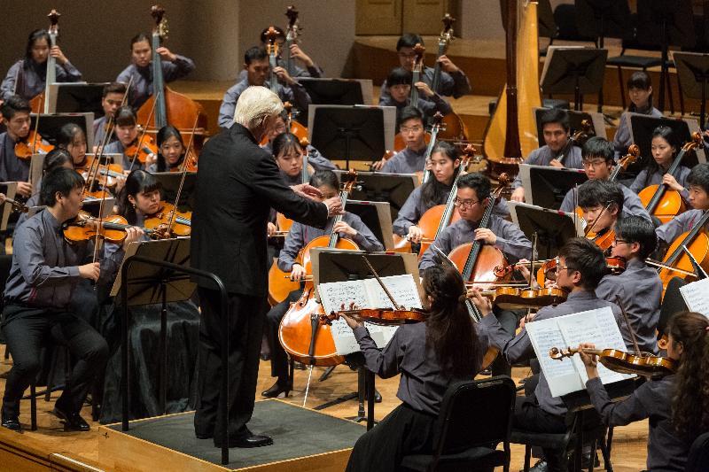 亞洲青年管弦樂團昨日(布魯塞爾時間九月五日)於比利時布魯塞爾舉行二○一七年世界巡迴表演的終站演奏會。