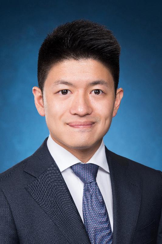 勞工及福利局局長政治助理馮興禮。