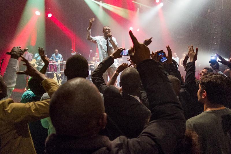 尤蘇.恩多爾和他帶領的達喀爾超級巨星樂團,於十月二十日至二十二日在香港文化中心舉行音樂會。恩多爾的歌曲不獨風靡整個非洲大地,樂迷更遍布歐美以至全球。