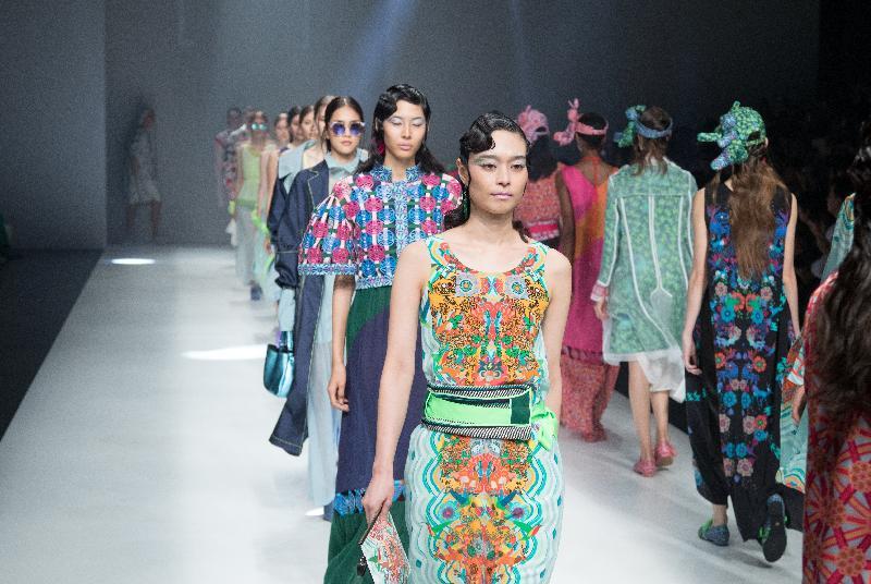 呈献四个香港品牌的时装系列的时装汇演今晚(十月十七日)在日本东京涩谷Hikarie举行。