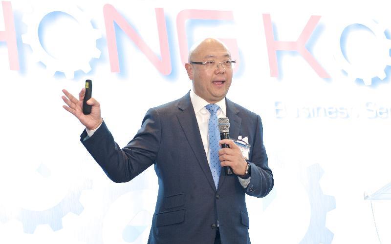 香港特別行政區政府投資推廣署助理署長吳國才於十月十九日(多倫多時間)在多倫多出席「香港:通往亞洲及以外地區市場的成功之門」商貿研討會,並在會上午餐時段作主題演講。