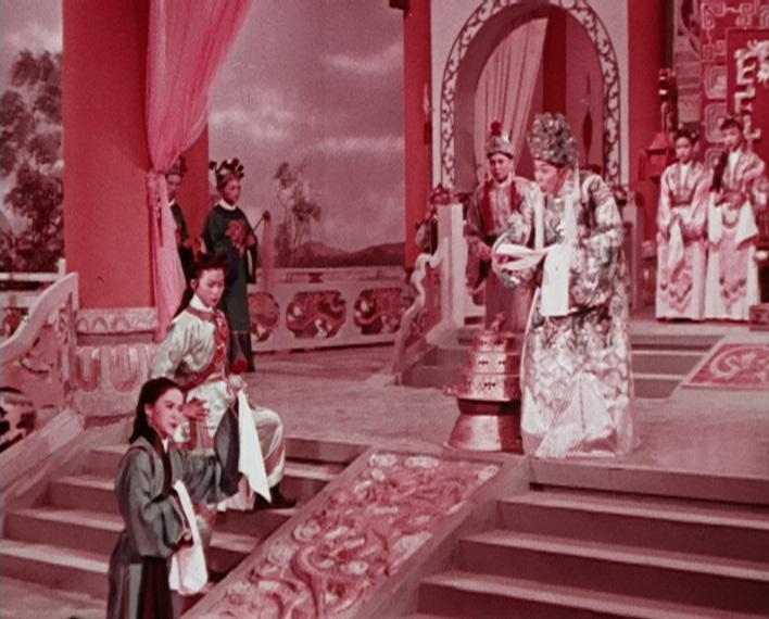 為響應「粵劇日2017」,康樂及文化事務署香港電影資料館將舉辦「再遇戲迷情人」節目,於十一月二十五和二十六日選映三齣粵劇名伶任劍輝的電影。圖為《教子逆君皇》(1960)劇照。