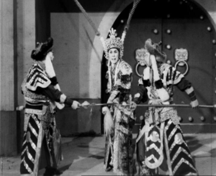 為響應「粵劇日2017」,康樂及文化事務署香港電影資料館將舉辦「再遇戲迷情人」節目,於十一月二十五和二十六日選映三齣粵劇名伶任劍輝的電影。圖為《羅成叫關》(1962)劇照。